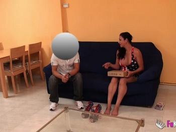 Brasile�a, morbosa y con muchisimas ganas de ser actriz porno. Primera escena de Felina follandose a un repartidor