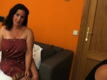 Las fantas�as de Sandra: una ama de casa que moja bragas con los alba�iles