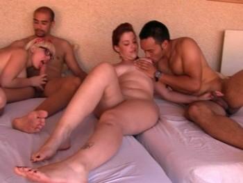 Fiesta en la piscina, cervecitas, solecito, chicas guapas y ORG�A con quien se quiera apuntar