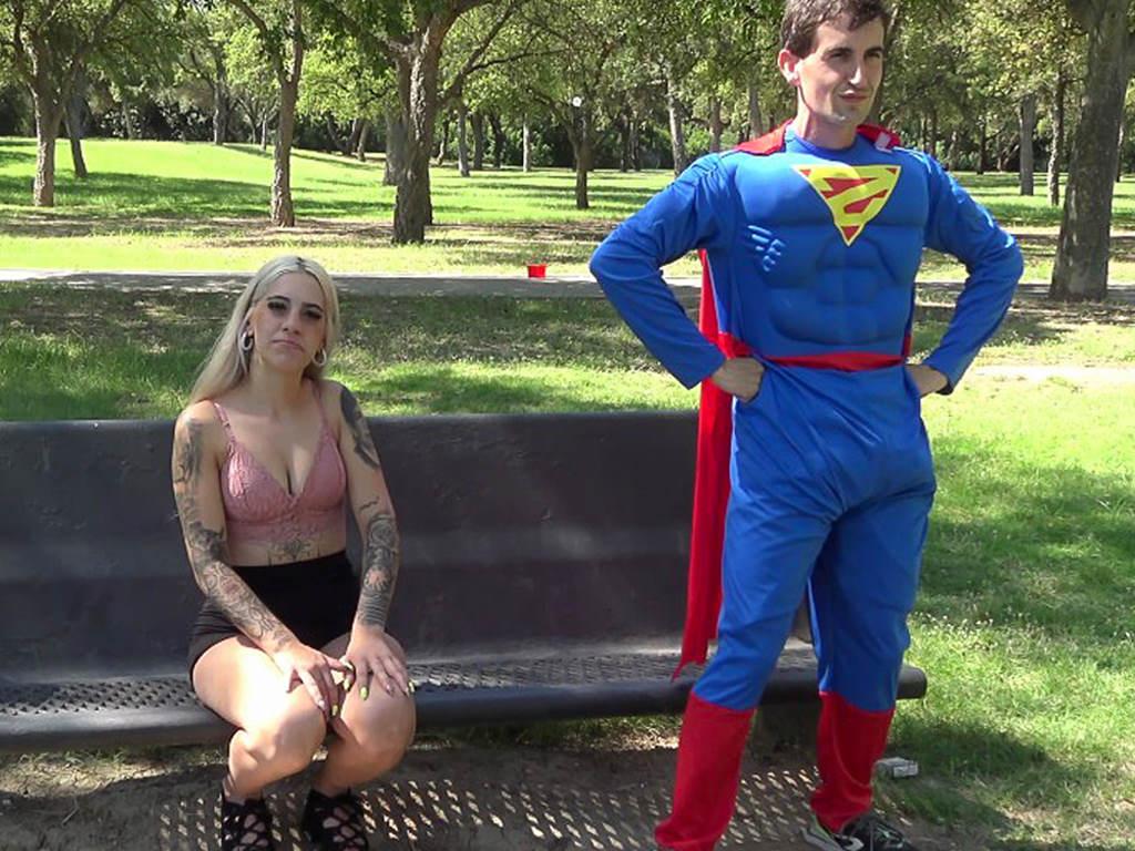 ¡¡¡SUPERMAN ME ACOSA!!! El morbo de Yasmine VS Mr. Bobelo y su Kryptonita. Dos almas de VICIO buscando el POLVAZO perfecto