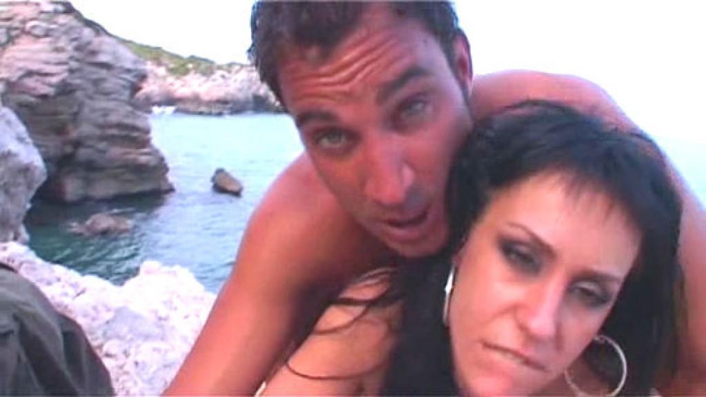 Arrancamos nuestra temporada en Ibiza con un griego profundo a Marta; gogó de Space. 19:31 minutos