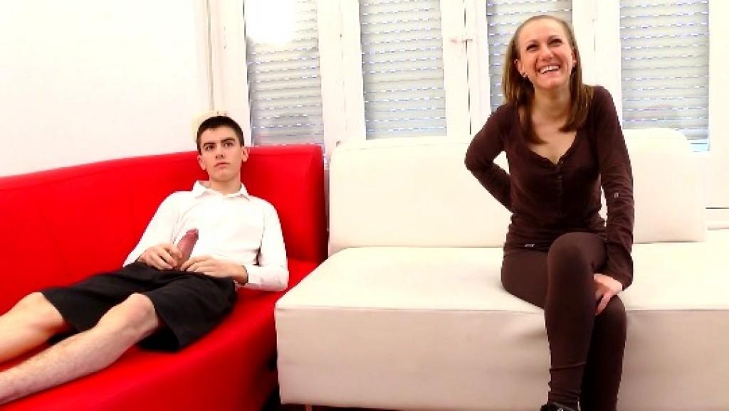 Madrileña; estudiante; 24 años; quiere pasarse a conocernos. Vol. XVI: Vero; la pequeñita.