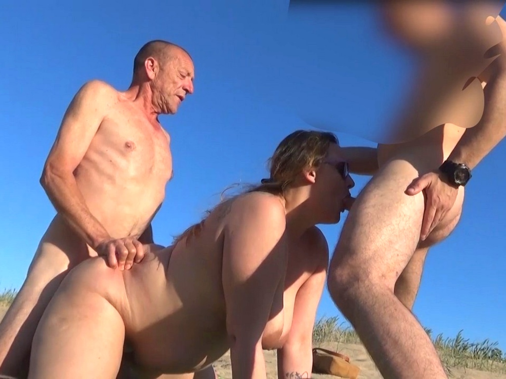 Mi marido me busca en la playa nudista una buena polla joven y dura. Somos Carol y Alberto, ¿te apuntas?