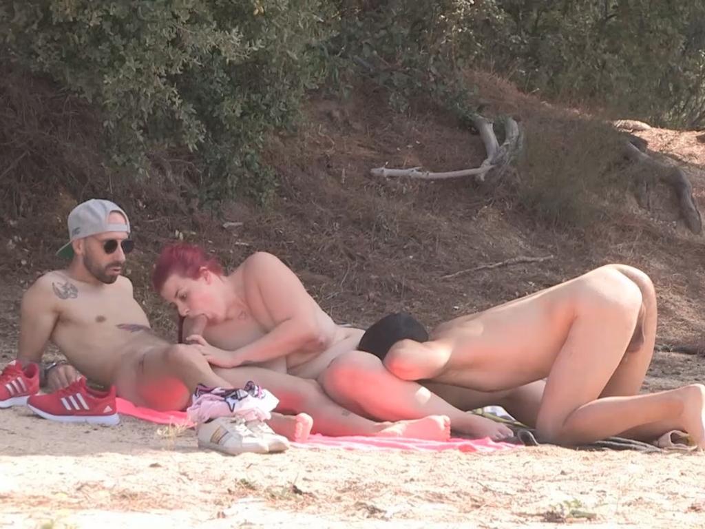 Image Trío liberal en el pantano de San Juan. A María no le vale con una sola polla. La pareja que te gustaría encontrarte.