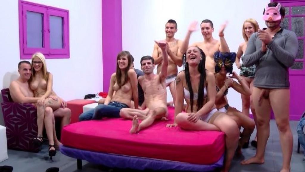 Multitudinaria orgia final de actrices del porno en el seb - 3 part 10