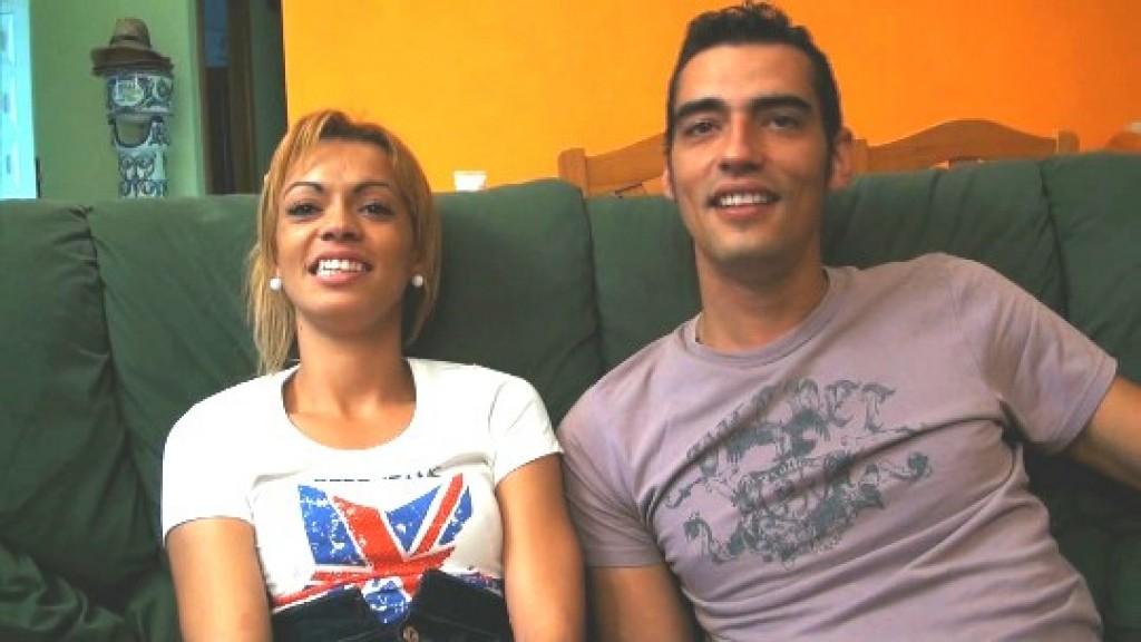 Jose; el valenciano celoso; nos enseña cómo le gusta sodomizar a su novia hasta reventarla