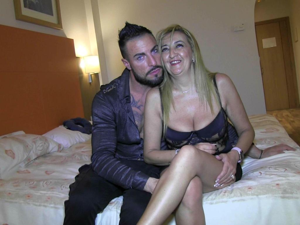 Regalito de Navidad para mi mujer: Un Latin Lover italiano que la deje bien follada