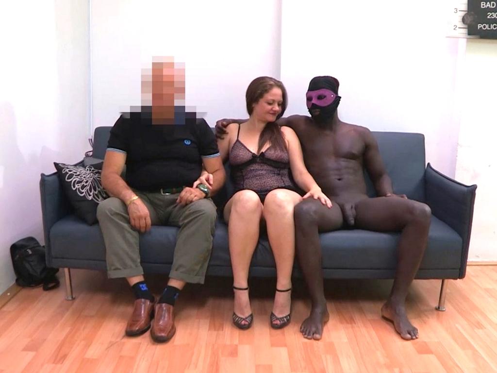Image Fantasías cornudas: que a mi mujer se la folle un buen negro.