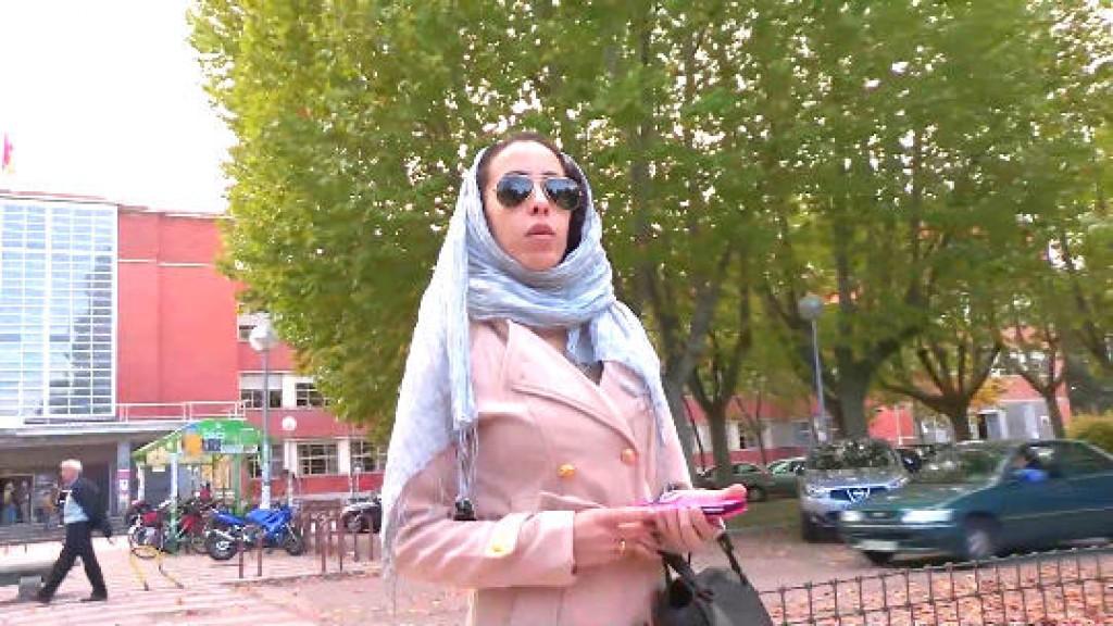 La hija del Jeque: 21 añitos; Nayara. Recién aterrizada del mundo árabe entra en el occidental por la puerta grande.