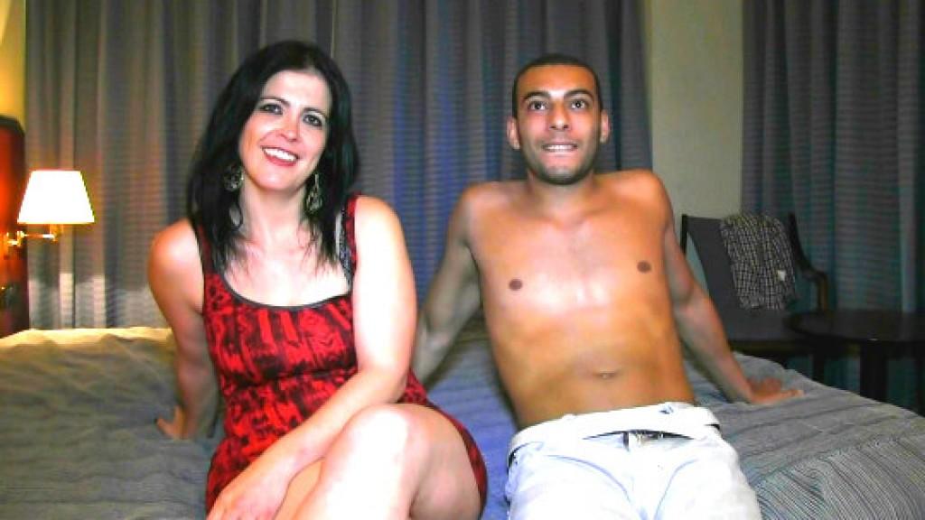 El amante cubano de Montse: le encanta que le metan la lengua por el culo y hasta adentro.