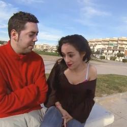 Maria de-Hay una cosa que quiere decir-, sigue ocultando a su novio que fue actriz porno
