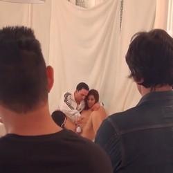 Un casting muy cochino. A Annbeth se la follan dos invitados, a demás del actor con el que iba a grabar.