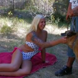 A la madurita Laura Blume la ponen cachonda los tíos ciclados y malotes como Rob