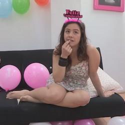 Alba cumple 19 añitos. Un cumpleaños muy especial regalito de FAKings