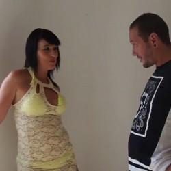 Muñeca y Luis, tus vecinos sevillanos que quieren probar la experiencia de grabar porno. TREMENDAS TETAS TIENE ESTA MORENA.