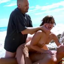 DOBLE PENETRACION, anal extremo, garganta profunda y azotes sin piedad con Kim Equinoxx