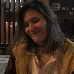 Patricia de 18 añitos, vas a ser follada por TU PRIMER MONSTERCOCK. ¿que sientes? -'¡Tengo MIEDO!'