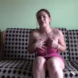 Yasmina quiere ser actriz porno y baja al 24 horas de debajo de su casa para tratar de cazar al chino