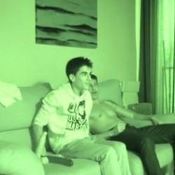 Broma a Jordi el niño polla. Le decimos que tiene que grabar Cine X Gay !!!