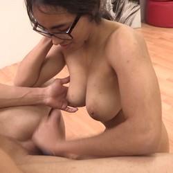 Verónica cumple su reto personal, de Youtuber a grabar porno. Y de regalo, corrida en sus tetas.