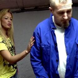 Anita C, la brasileña de orgasmos infinitos, regresa a casa para que le rompan el coño!