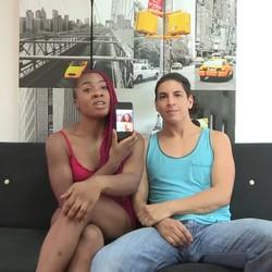 En esta pareja es Jalila, bisexual de 23 años, quien da lecciones de sexo a su novio, puretilla de 31.