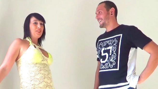Muñeca y Luis, tus vecinos sevillanos viene a hacer su casting porno. TREMENDAS TETAS. - foto 1