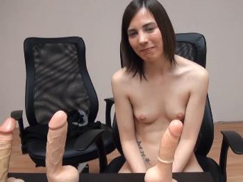 Teen de 20 años viene a por trabajo de webcamer y termina grabando porno. Arantxa Rey