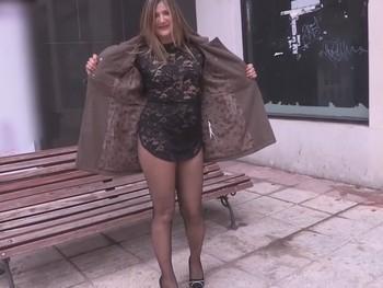 Blanca, ama de casa, 35 años y loca por follar con jovencitos