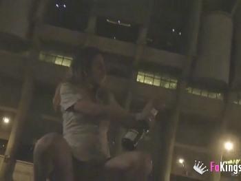 Las noches locas de Jordi : Paseo por Madrid de noche con Lucia y me la follo en todos los sitios publicos
