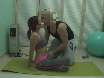 Me follo a mi personal training... Ji ji ji, le he dicho que me de clases a domicilio ;P