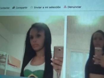 La modelo brasileña en paro, el niño virgen y salido y el mal padre dando buenos consejos