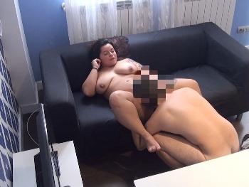 Sarita ya no es beata, ahora es adicta al sexo. Empezamos viendo como come pollas