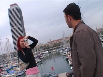 Cazando por el puerto de Barcelona a una guiri con ganas de polla