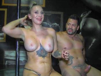 Daniela SQUIRTING: mi mujer. Estais locos por follarla, pero solo yo la hago gozar. Soy Arcangel