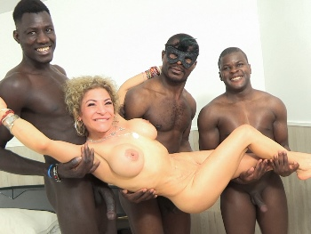 MEGA MILF Vanesa wants a few 3 LEGGED BLACK DUDES. Her first Interracial GANGBANG