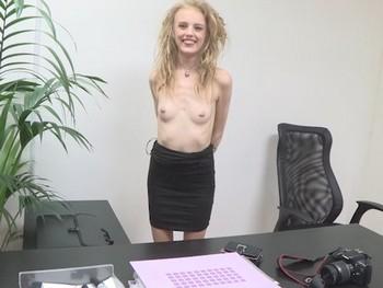 Timida... pero decidida a darlo todo. El casting porno de Angelina, una polaca en Madrid