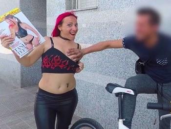 Tania Teen, ahora MILF, regresa al porno 10 años despues dispuesta a dar lecciones de sexo